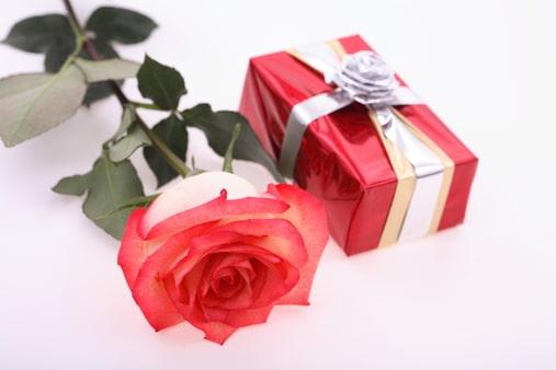 День дарения подарков открытка