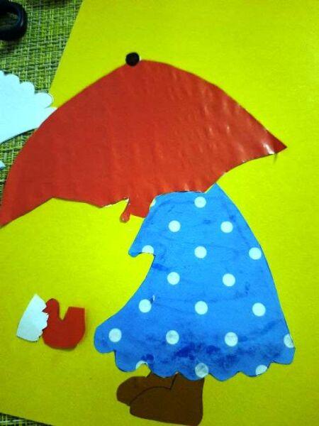 вырезаем зонт из красной бумаги